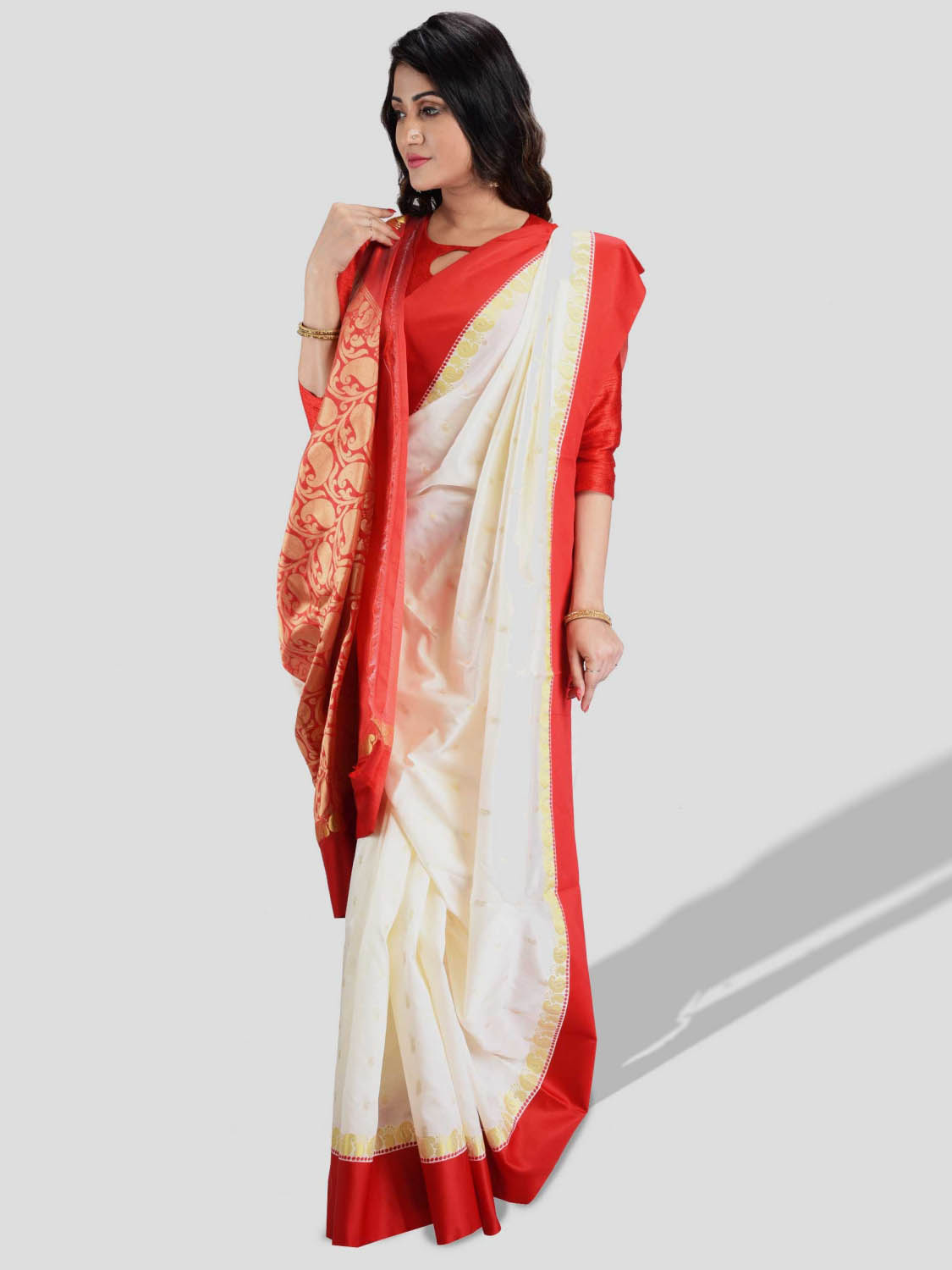 Bengali Garad Saree Pure Silk Garad Saree With Blouse Pcs. Handmade Exclusive Temple Flower with Kalka with Whole Body Design (White and Red)